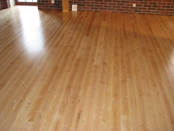 kase põrandalaud, lakitud